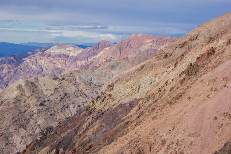 De mening van Dante in het Nationale Park van de Doodsvallei stock afbeeldingen