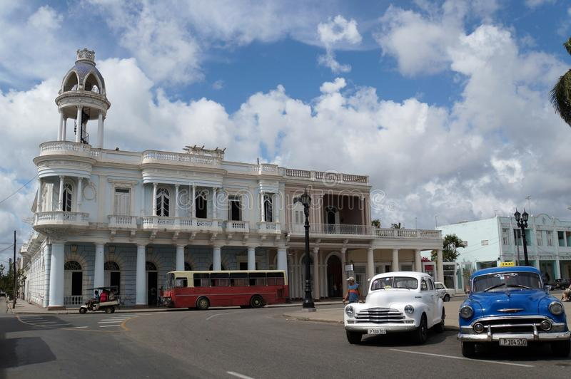 De mening van de Cienfuegosstraat, het Ferrrer-Paleis royalty-vrije stock foto