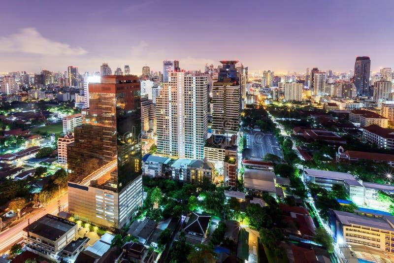 De mening van de de stadsnacht van Bangkok met aardige hemel, Bangkok, Thailand royalty-vrije stock afbeeldingen