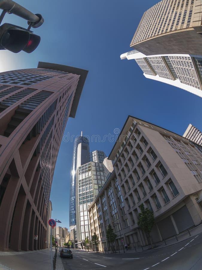 De mening van de de stadsstraat van Frankfurt stock afbeeldingen