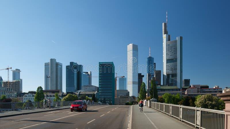 De mening van de de stadsstraat van Frankfurt royalty-vrije stock afbeeldingen