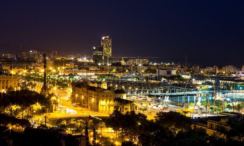 De mening van de nacht van Barcelona royalty-vrije stock afbeeldingen