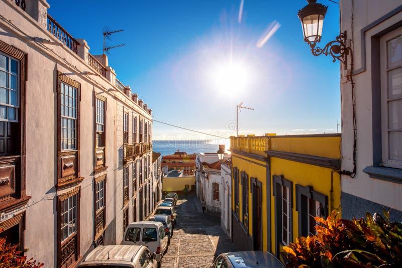 De mening van de stadsstraat in Santa Cruz de La Palma royalty-vrije stock afbeeldingen