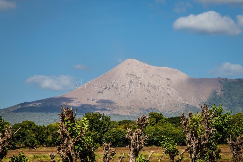 De mening van de Telicavulkaan van Nicaragua royalty-vrije stock afbeelding