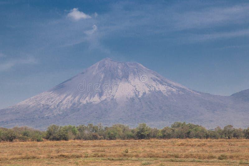 De mening van de Telicavulkaan van Nicaragua stock afbeelding