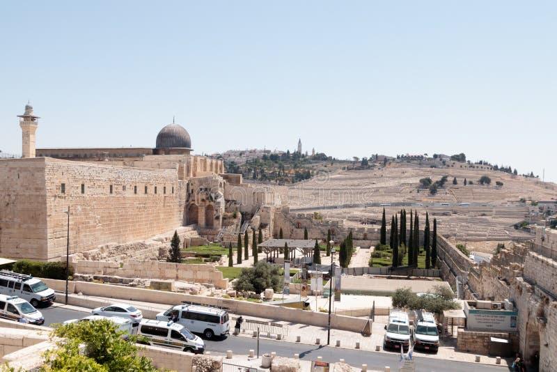 De mening van de Tempel zet en Onderstel van de Begraafplaats van Olijvenjeruzalem in de Oude Stad van Jeruzalem, Israël op royalty-vrije stock afbeelding