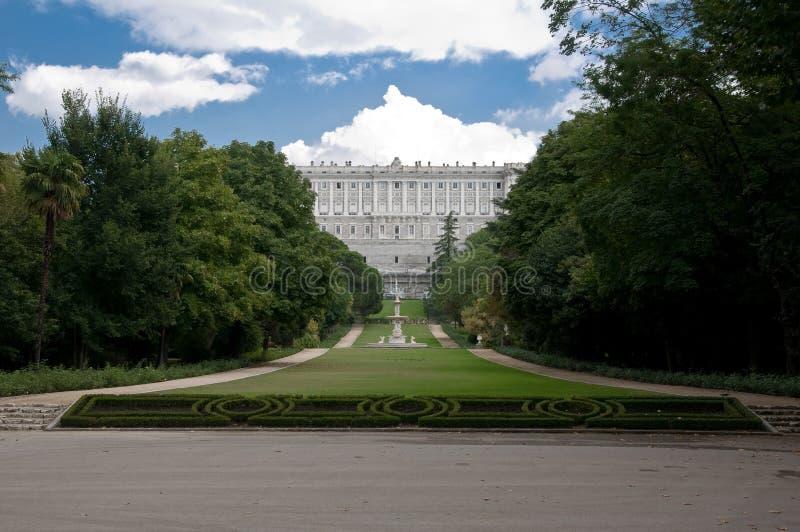 De mening van de tuin van koninklijk paleis stock foto's