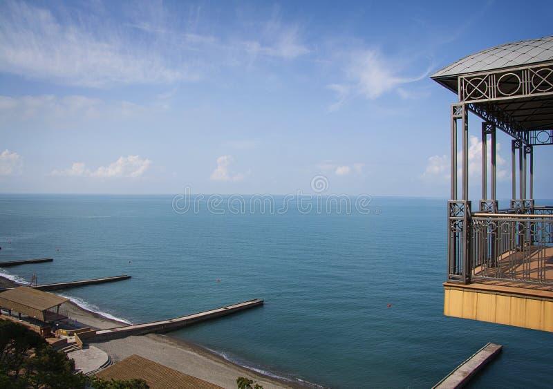 De mening van de vogelvlucht van de zeekust van Sotchi royalty-vrije stock foto