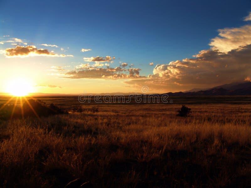 De mening van de zonsondergang stock foto's
