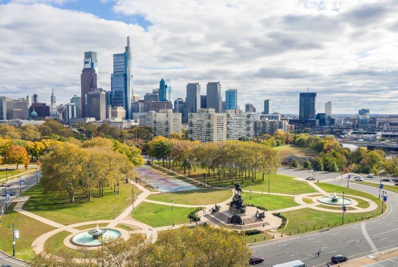 De mening van de drone op de Skyline van Philadelphia stock afbeelding
