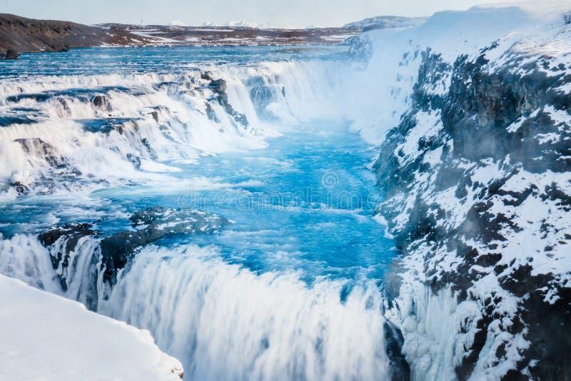 De mening van de Gullfosswaterval en het beeld van de winterlanscape in winte royalty-vrije stock fotografie