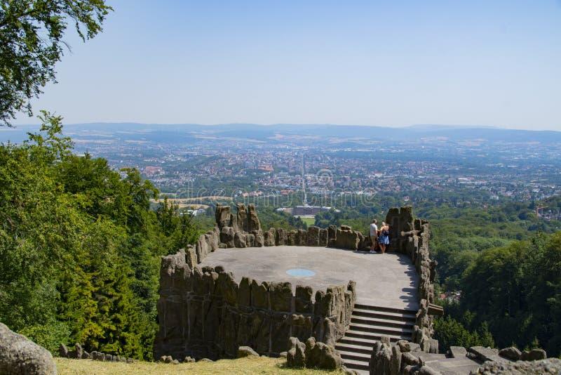 De mening van de Hercules-monumententreden bij de stad Kassel in Duitsland royalty-vrije stock fotografie