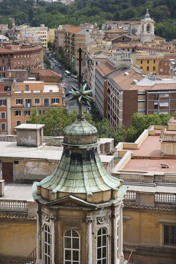 De mening van het dak van Rome, Italië. stock foto's