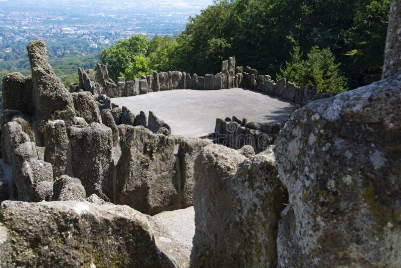 De mening van het Hercules-monument bij de stad Kassel in Duitsland stock foto's