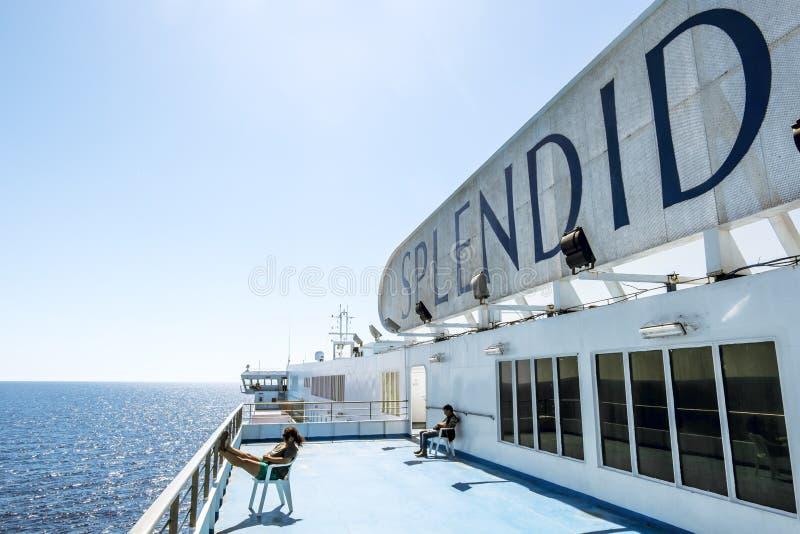 De mening van het hoogste dek van de veerboot GNV royalty-vrije stock afbeelding