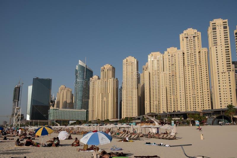 De mening van het de jachthavenstrand van Doubai, Verenigde Arabische Emiraten royalty-vrije stock foto