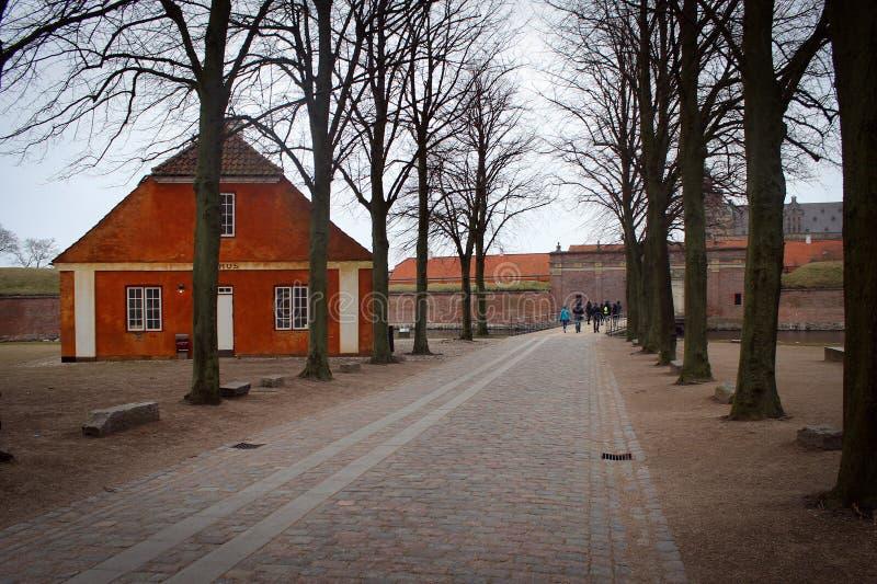 De mening van het Kronborgkasteel in Helsingor, Denemarken stock afbeeldingen