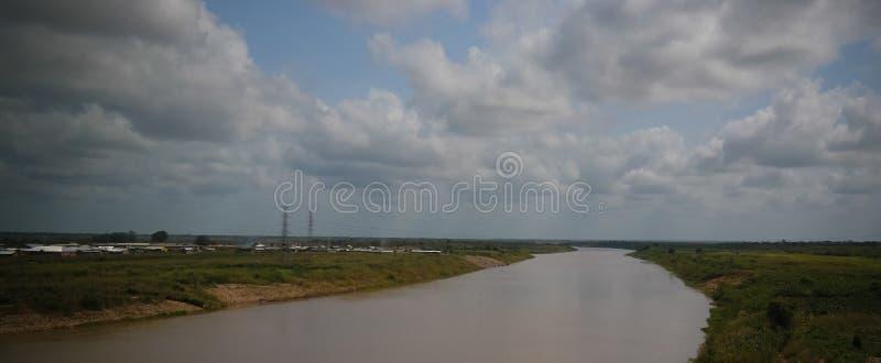 De mening van het landschapspanorama aan de Witte rivier van Volta, Ghana royalty-vrije stock fotografie