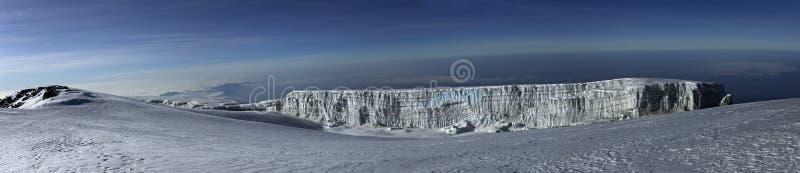 De mening van het panorama van Mt. Kilimanjaro. stock fotografie