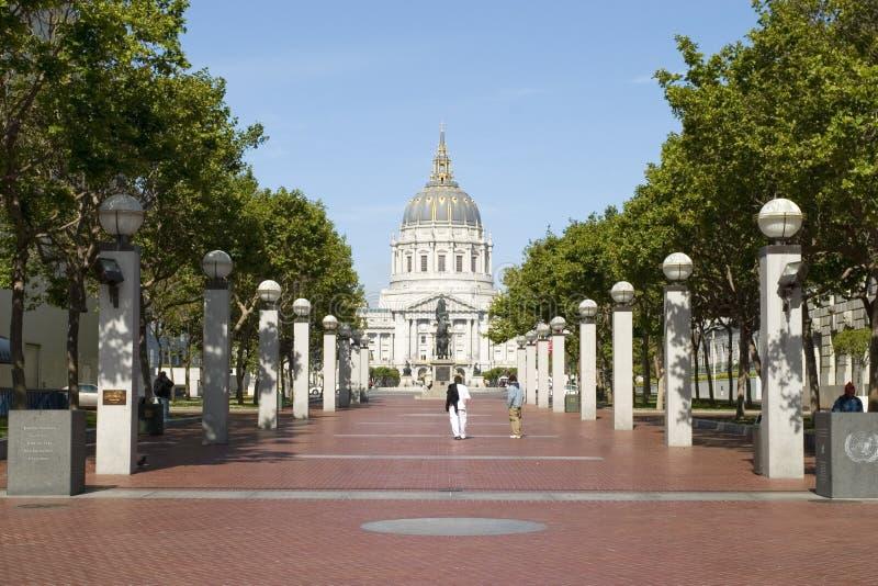De Mening van het stadhuis van het plein van de V.N. royalty-vrije stock afbeelding