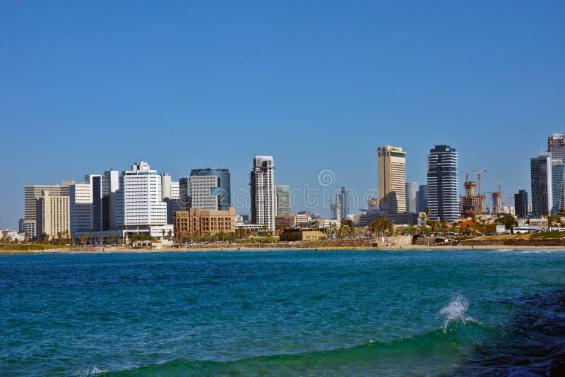 De mening van het stadsstrand in Tel Aviv stock foto's