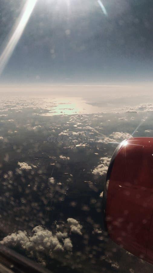 De mening van het vliegtuig, de rivier en een beetje van landschap stock afbeeldingen