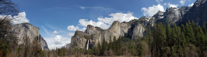 De mening van het Yosemitepanorama stock afbeelding