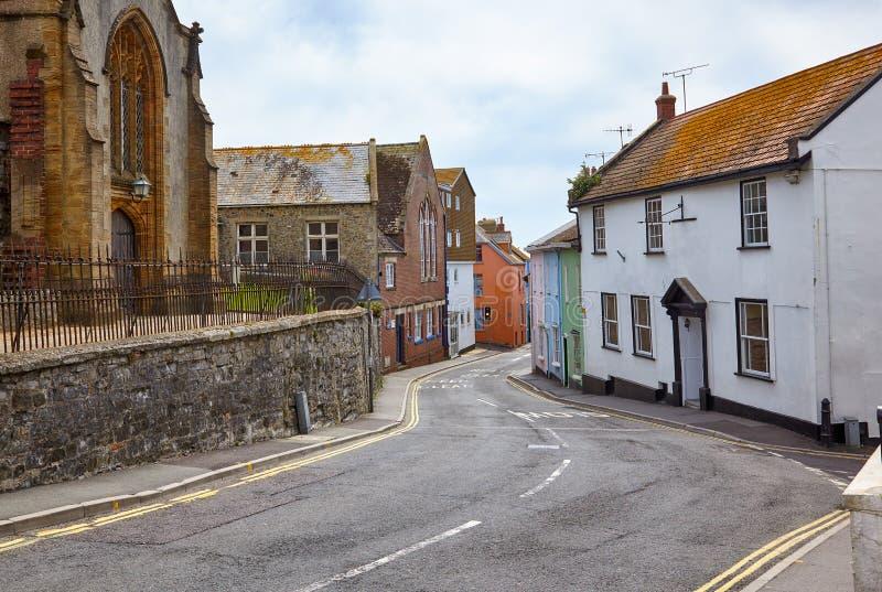 De mening van kerkstraat in Lyme REGIS West-Dorset engeland royalty-vrije stock fotografie