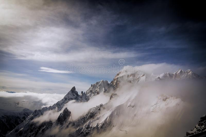 ` De mening van Monte Bianco ` van het panoramical terras van Punta Helbronner stock afbeelding