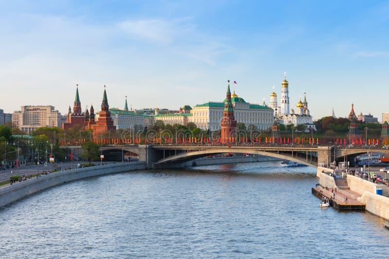 De mening van Moskou het Kremlin bij zonsondergang, Moskou royalty-vrije stock foto