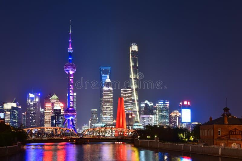De mening van de nacht van Shanghai royalty-vrije stock foto