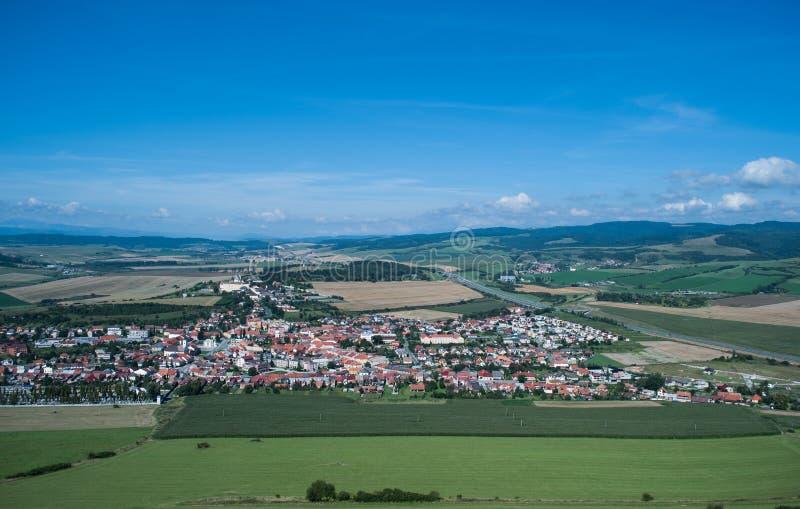 De mening van Spiski-kasteel in Slowakije stock afbeeldingen
