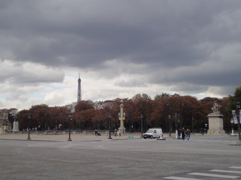 De mening van toreneiffel van Concorde Square, Parijs, Frankrijk royalty-vrije stock foto's