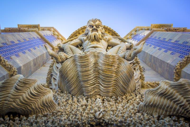 De mening van triton in het Pena-Paleis in Sintra, Portugal royalty-vrije stock afbeeldingen