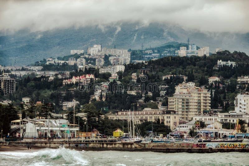 De mening van de Yaltastad van het overzees stock foto's