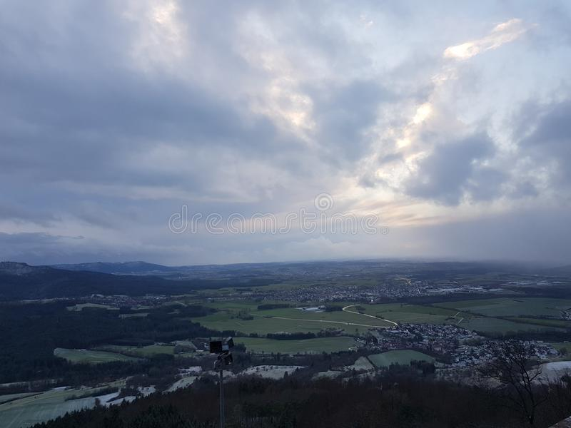 De Menings baden-WÃ ¼ rttemberg Ausblick Hechingen Bol Deutschland van Burghohenzollern royalty-vrije stock foto's