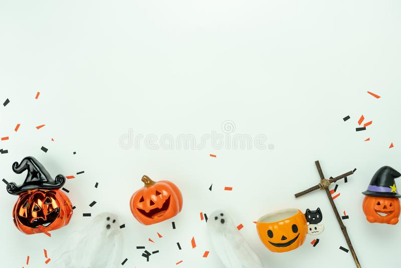 De menings luchtbeeld van de lijstbovenkant van de dag van decoratie Gelukkig Halloween concept als achtergrond stock afbeelding