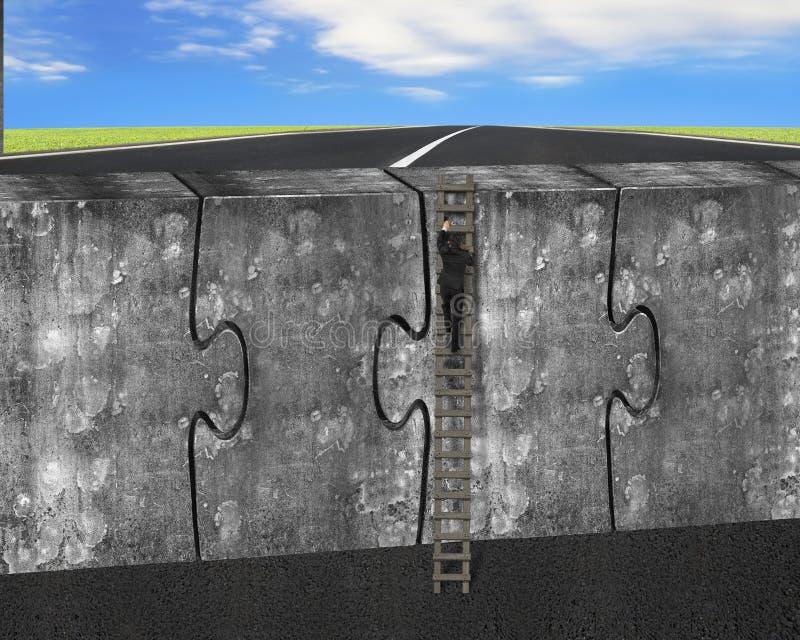 De mens die ladder op vier reusachtige raadsels beklimmen verbond concrete muur stock afbeeldingen