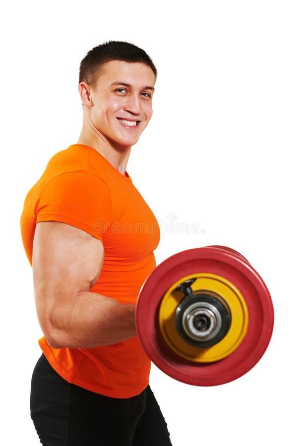 De mens die van de bodybuilder de oefeningen van de bicepsenspier doet royalty-vrije stock afbeeldingen