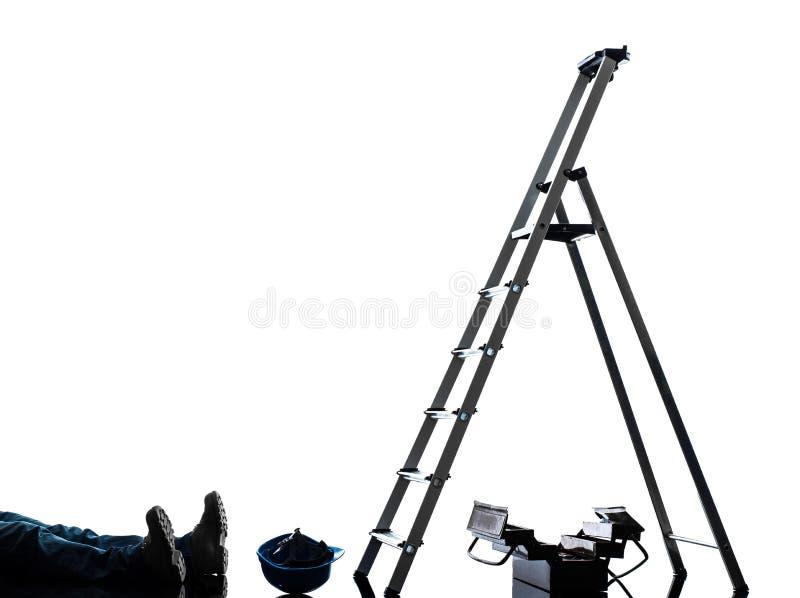 De mens die van de ongevallen handarbeider van ladder vallen royalty-vrije stock foto's