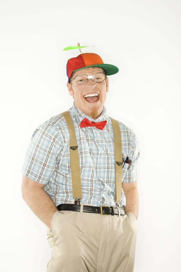 De mens kleedde zich aangezien nerd met zakken indient. royalty-vrije stock foto's