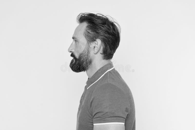 De mens met baard heeft juiste houding De sportieve levensstijl en de juiste voeding helpen om de jeugd zelfs op rijpe leeftijd t stock afbeeldingen