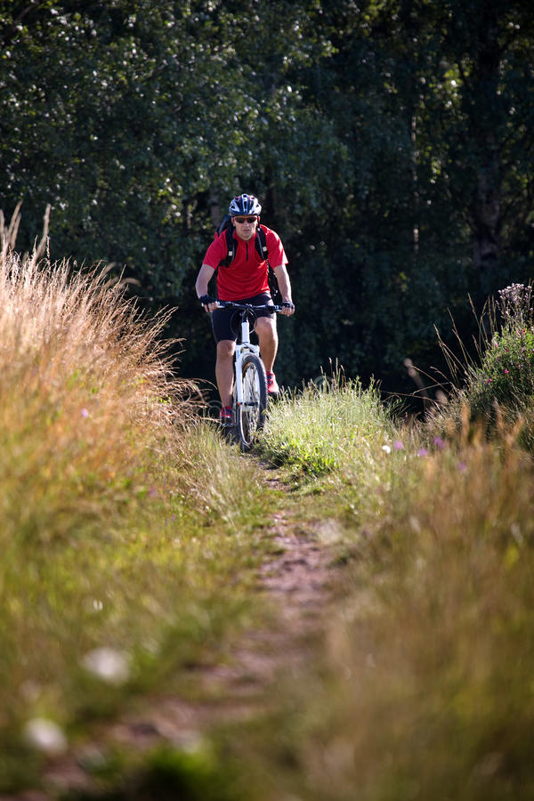 De mens van Biking royalty-vrije stock foto