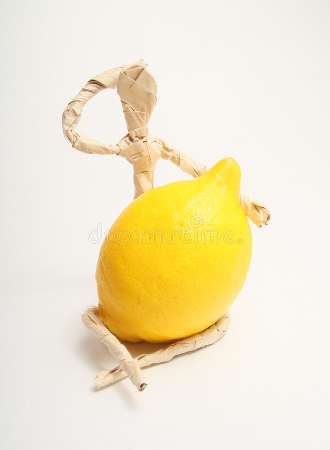 Document mens met fruit
