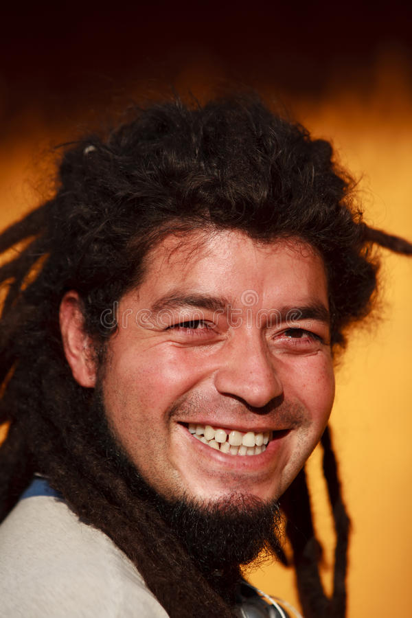 De mens van Rasta het glimlachen stock foto