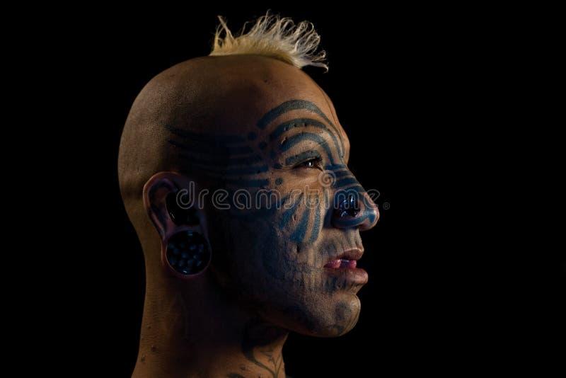 De mens van Tatooed stock afbeeldingen