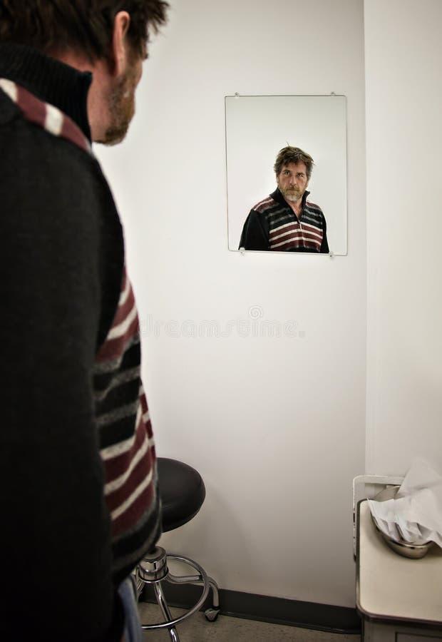 De mens wacht op Arts stock foto's