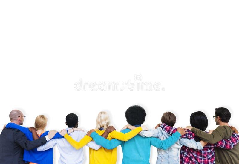 De mensen brengen de Samenhorigheid Team Concept van de Meningsvriendschap groot stock afbeeldingen
