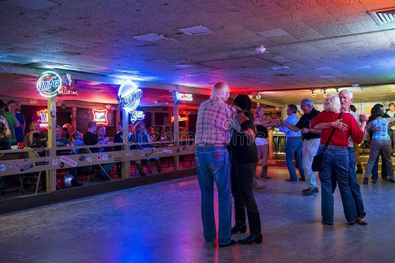De mensen die in Gebroken dansen spraken disco in Austin, Texas stock afbeelding