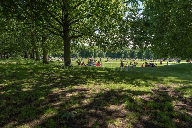 De mensen in Londen Greenwich parkeren royalty-vrije stock foto
